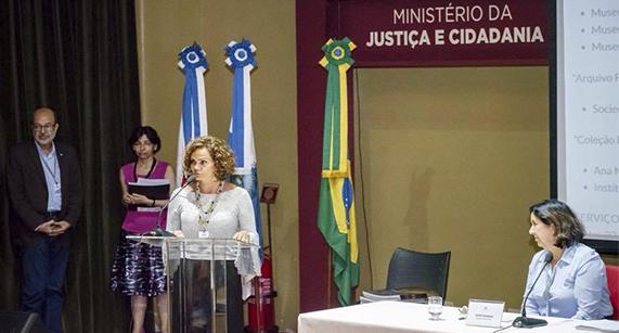 Acervo Paulo Freire recebe prêmio internacional